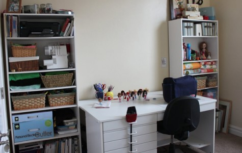 Organize your dorm  to maximize your space