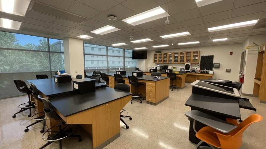 The biochemistry teaching lab. Photo courtesy of Dr. Yufeng Wei.